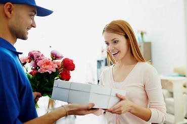 gifts & flowers Delivery Services dubai, uae